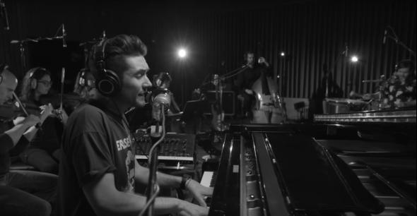 Bastille dévoile la vidéo live de leur titre « Warmth »