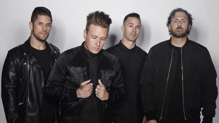 Papa Roach balance deux morceaux de leur nouvel album !