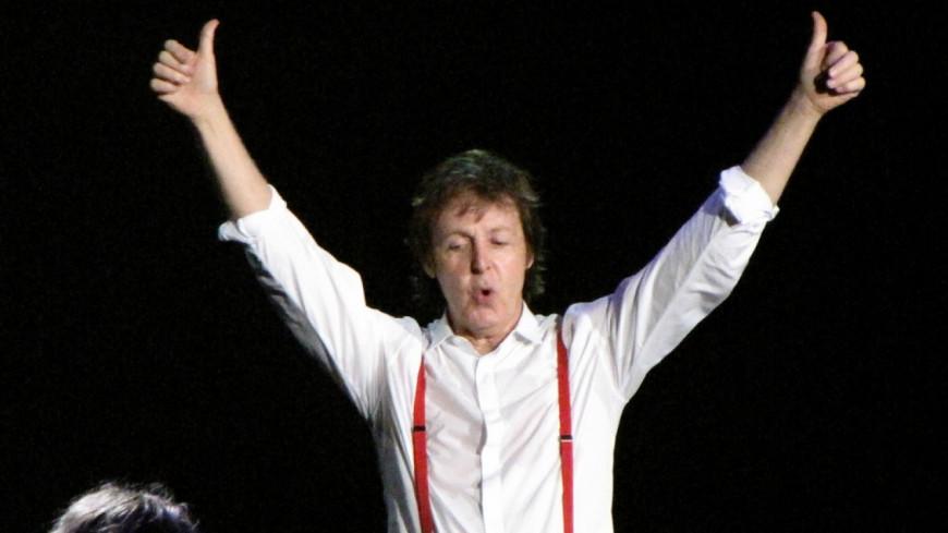McCartney sort deux singles et annonce la sortie de son album