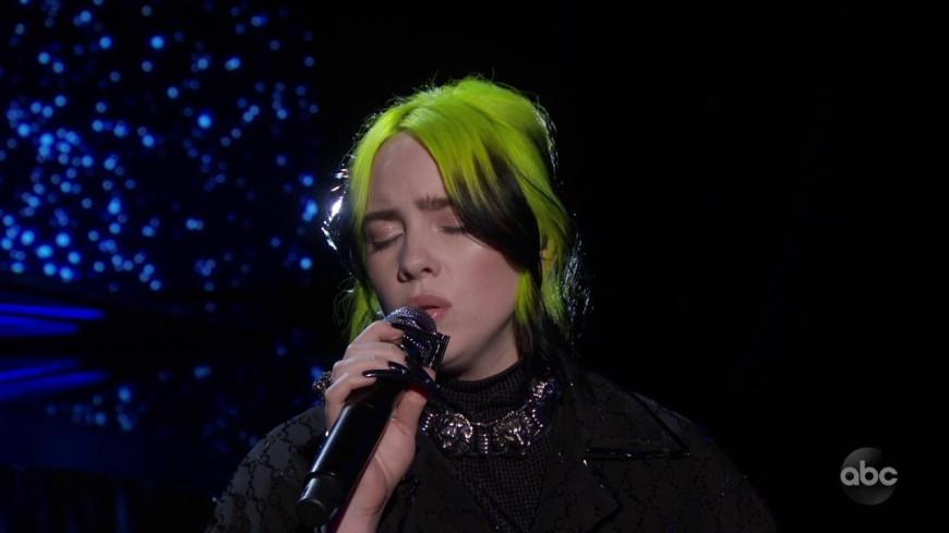 """(VIDÉO) Billie Eilish reprend """"Yesterday"""""""