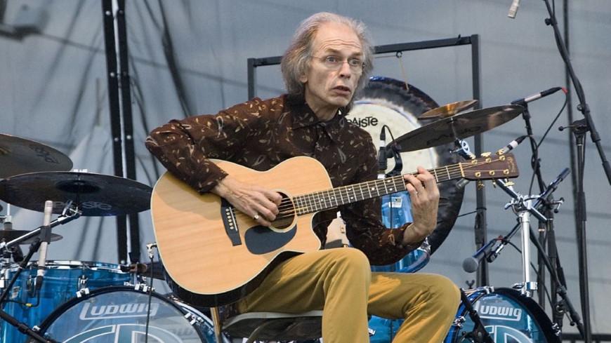 Steve Howe sort un nouveau single