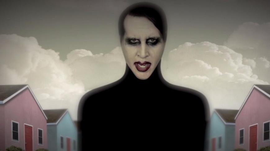 """""""We Are Chaos"""" : Marilyn Manson sème le chaos avec son nouveau clip ! (vidéo)"""