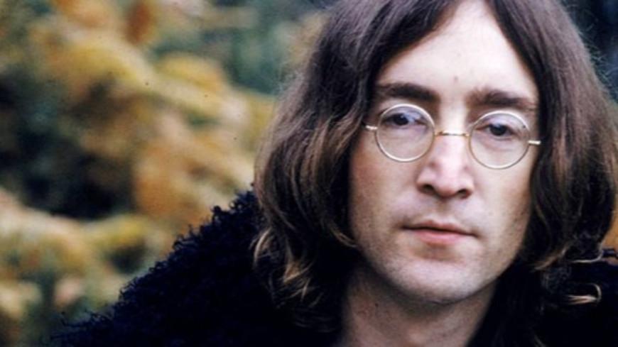 Pour le 80e anniversaire de John Lennon, son piano a été exposé à Liverpool