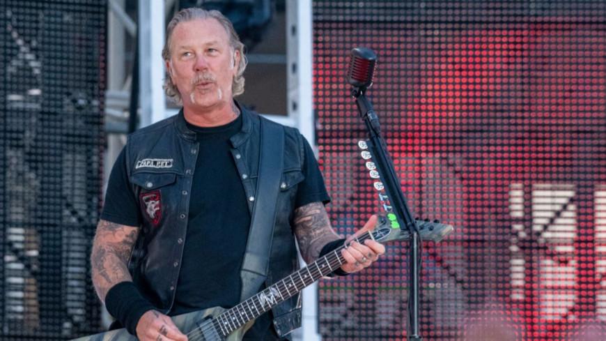 """James Hetfield de Metallica reprend """"Turn The Page"""" de Bob Seger (vidéo)"""