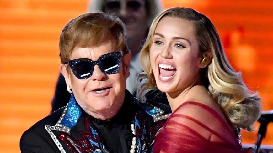 Miley Cyrus et Elton John vont sortir une reprise de Metallica !