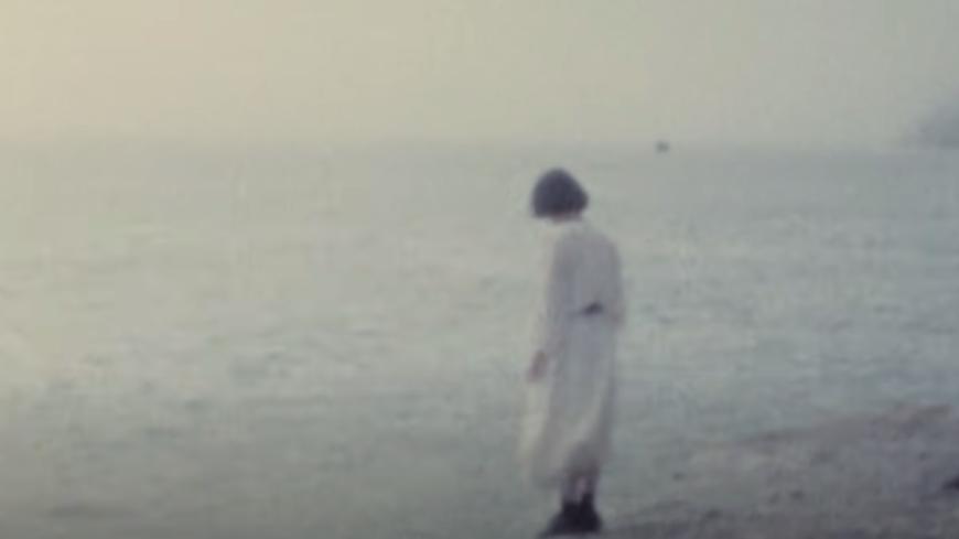 """Ghostly Kisses propose sa version de """"J'ai demandé à la Lune"""" (vidéo)"""
