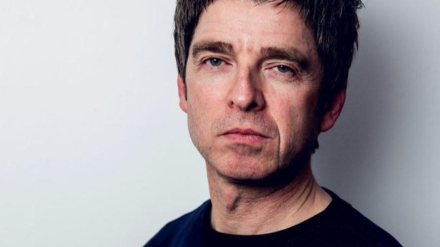 """Noel Gallagher partage son nouveau titre, """"We're on our way now"""" (vidéo)"""