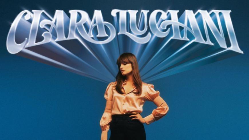 """Voici """"Amour Toujours"""" le nouveau titre de Clara Luciani (vidéo)"""