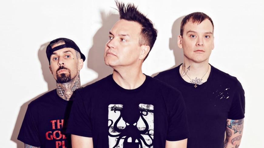 Travis Barker blessé, Blink 182 annule sa tournée !