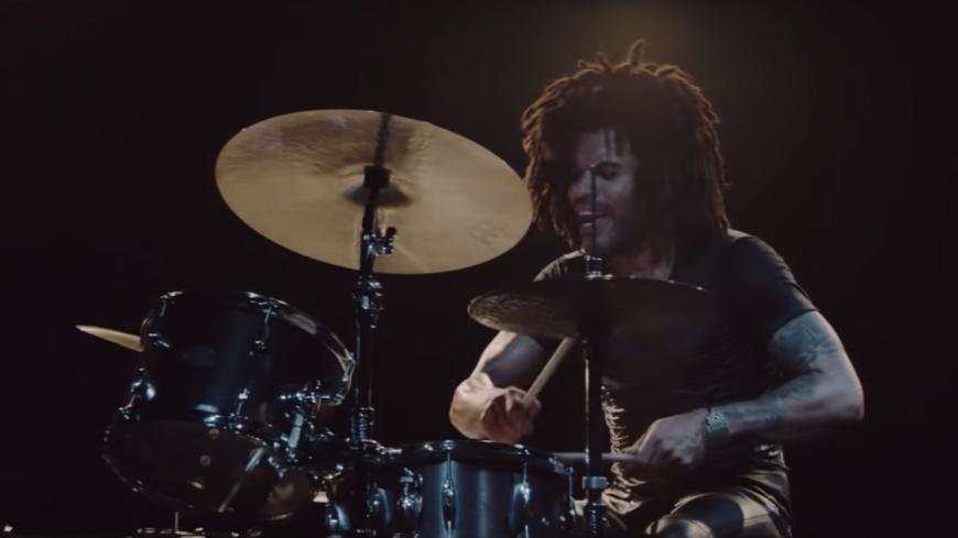 « Low », le nouveau clip fou de Lenny Kravitz