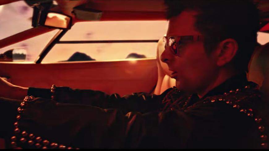 Muse dévoile « Something Human » dans un clip d'une autre dimension