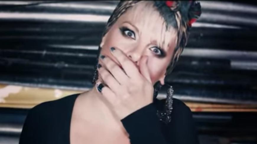 Pink dévoile le clip de « Secrets » ! Attention, c'est chaud chaud !