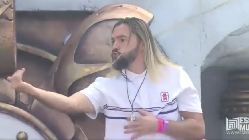 Un DJ complètement allumé a mis le feu à Tomorrowland !