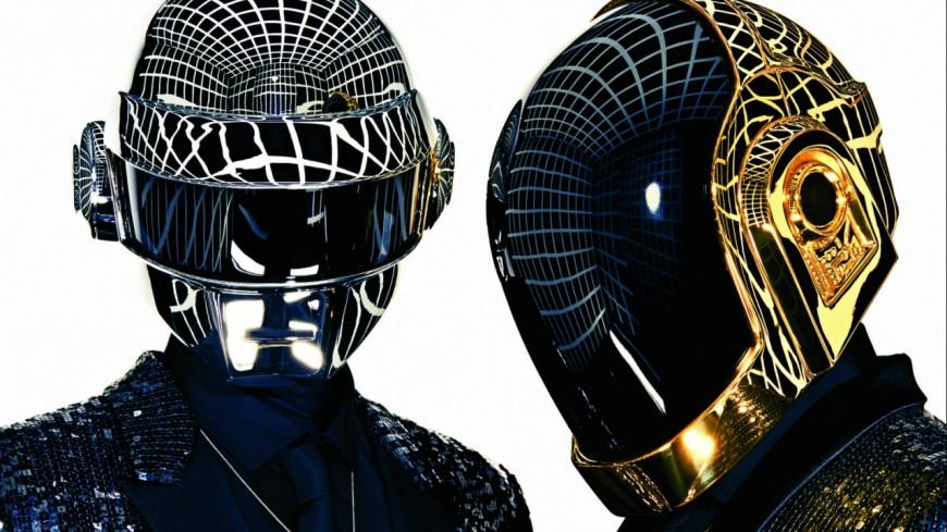 Un membre des Daft Punk se montre sans son casque