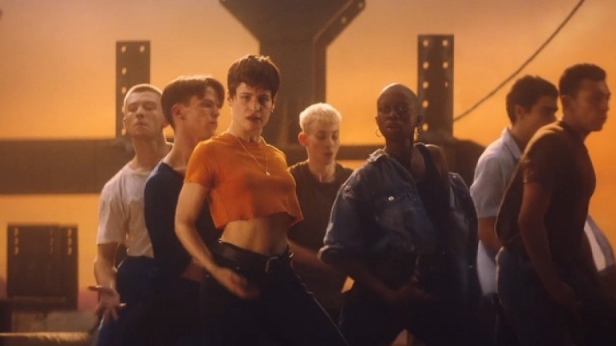 Christine and The Queens - Damn, dis-moi (feat. Dâm-Funk) (Clip Officiel)