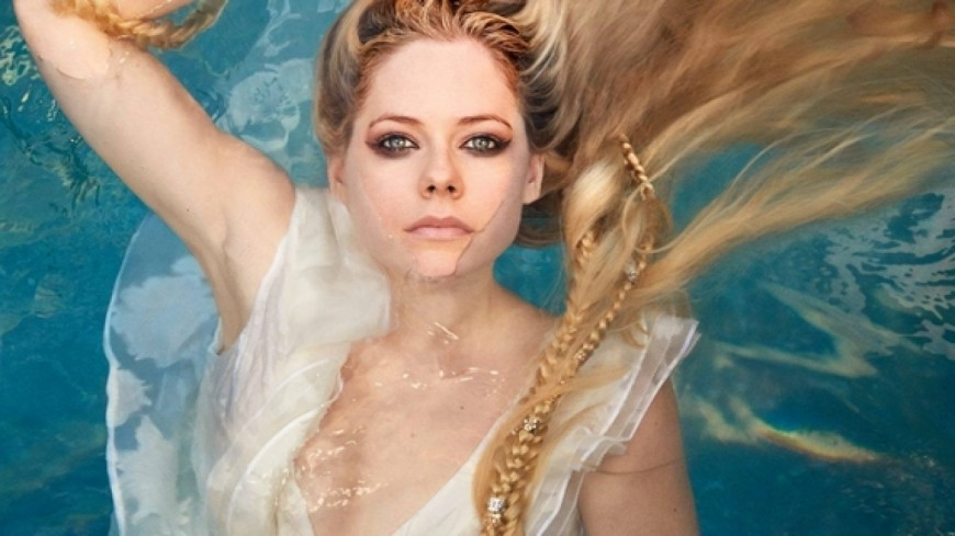 Avril Lavigne - Head Above Water (Clip)
